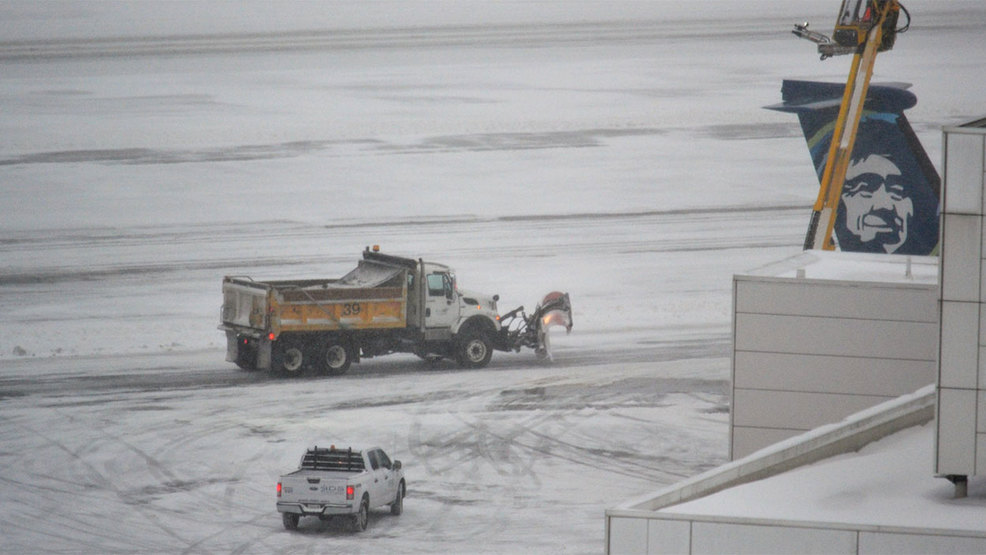 190208_pio_seatac_airport_snow_1280.jpg