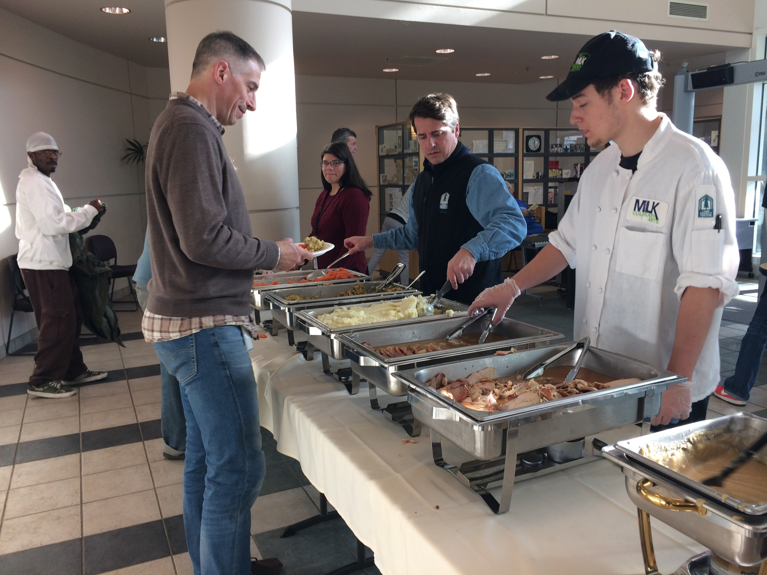 Teen gives free meals to community. (SBG Photo)