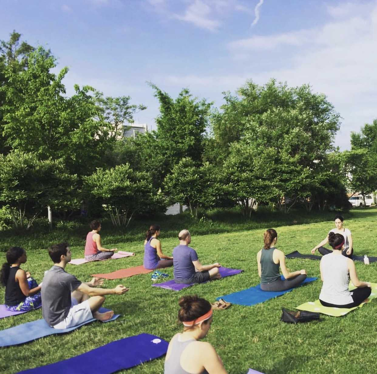 "One of Bloomingdale's ""hidden treasures"" is all of its peaceful and beautiful parks! (Image via @bloomingdale.fun.fit)"