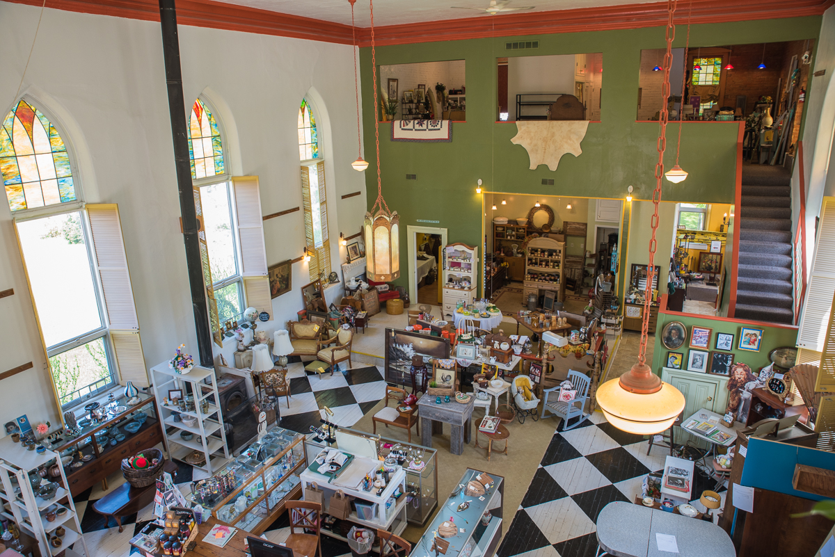 River Village Shoppe specializes in antiques and consignment items. It's located at 411 Walnut Street (45157). / Image: Sherry Lachelle Photography // Published: 5.22.17