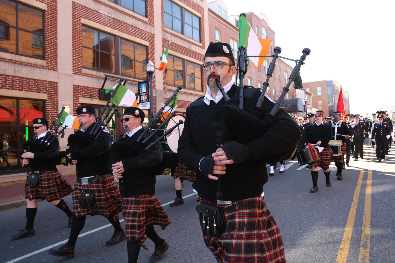 Biting cold couldn't stop Nap Town's St. Patrick's Day Parade on March 4. The parade, which ended at the waterfront, featured girl scouts, bagpipers and members of the law enforcement community - all decked in green. (Amanda Andrade-Rhoades/DC Refined)