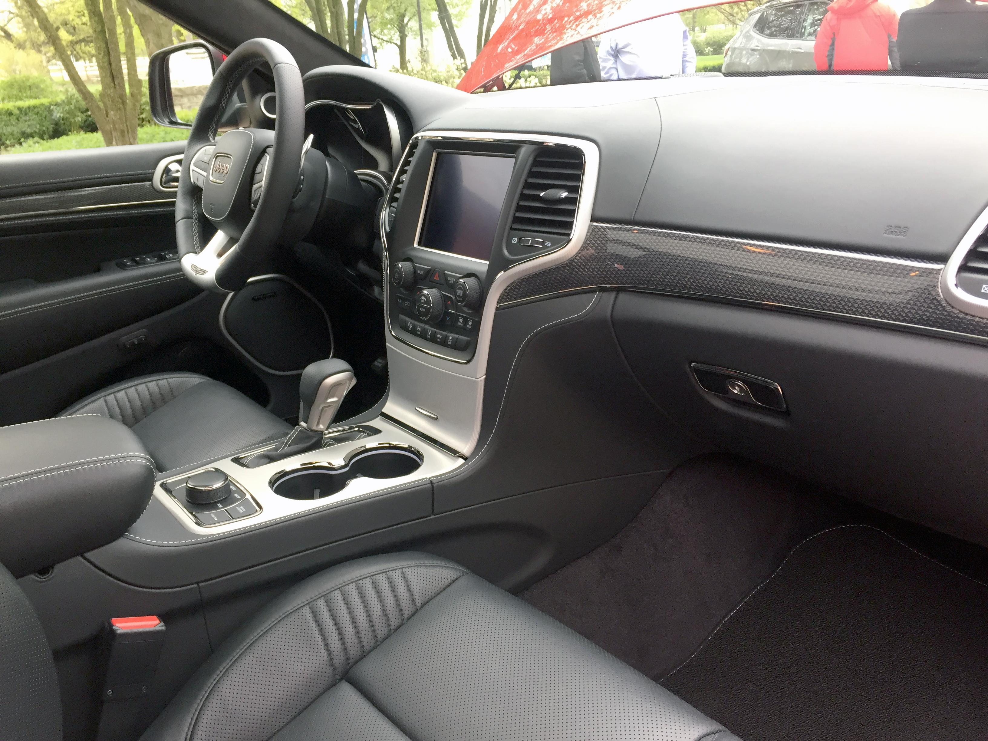 2018 jeep trackhawk interior. brilliant interior the 2018 jeep grand cherokee trackhawk will have a driverfocused interior  including with jeep trackhawk interior