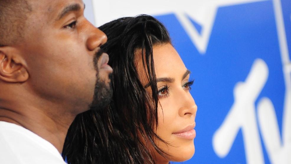 Kim Kardashian Abandons Father 39 S Tribute As Kanye West Is
