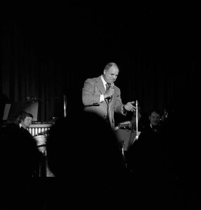 Don Rickles performs at Caesars Palace on Nov. 21, 1975. [Las Vegas News Bureau file photo]