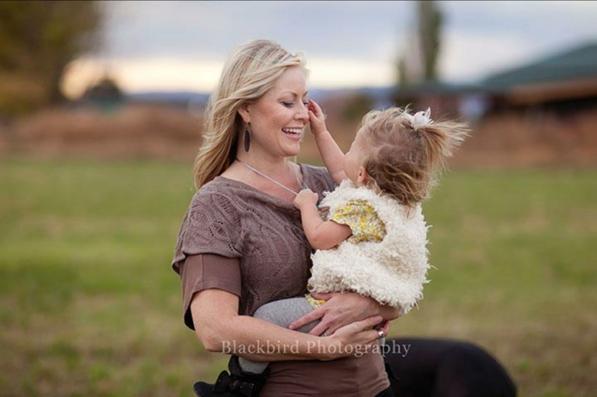How a cold turned into a quadruple amputation for a Utah mother of 6 (Photo: Blackbird Photography)