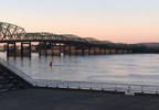 I-5 Bridge at sunrise.jpg