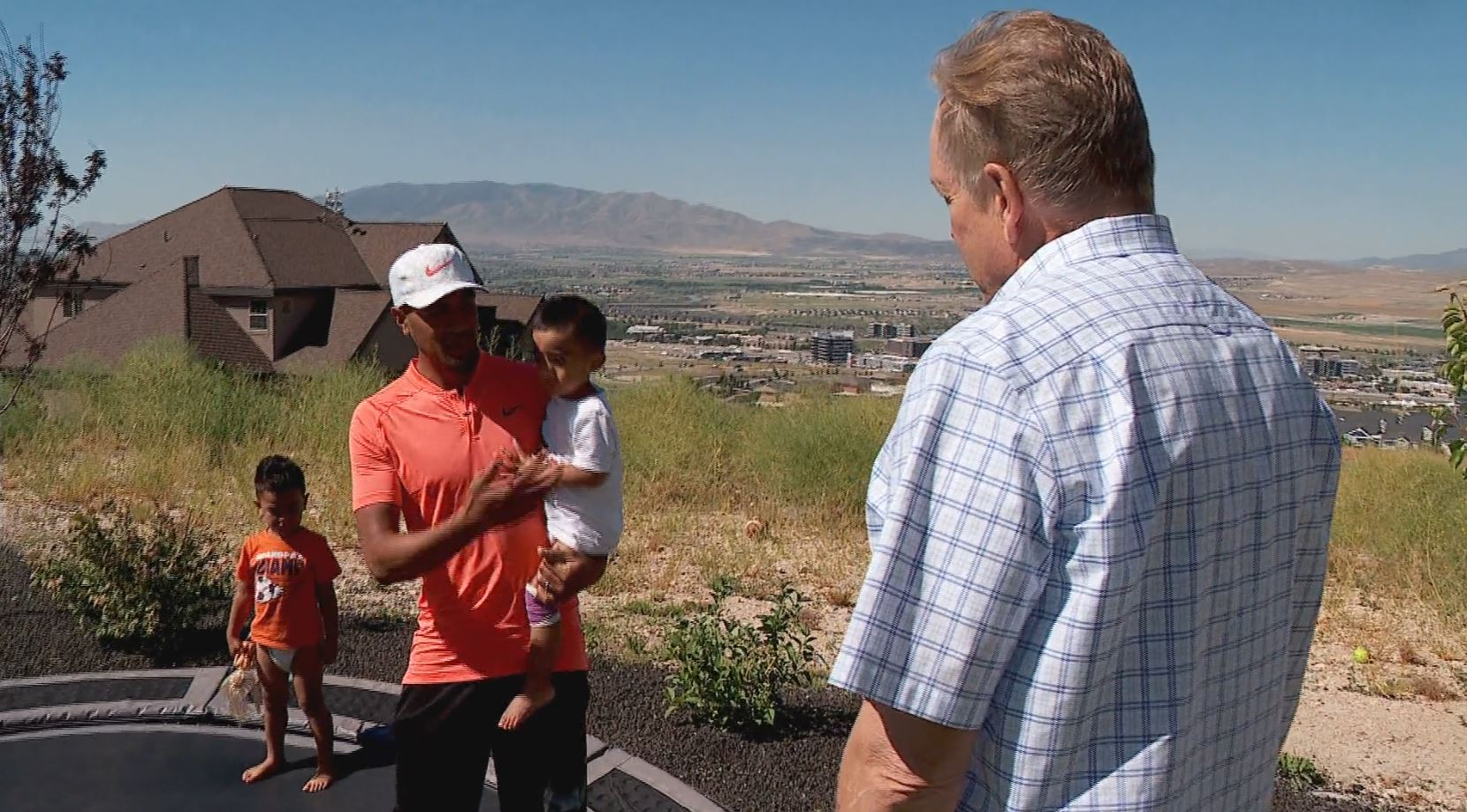 Utah's own PGA Pro Tony Finau is coming off a top 5 finish at the U.S. Open and has found a balance between his professional life, his family and his foundation.{&amp;nbsp;} (Photo: Kurt Smith / KUTV)<p></p>