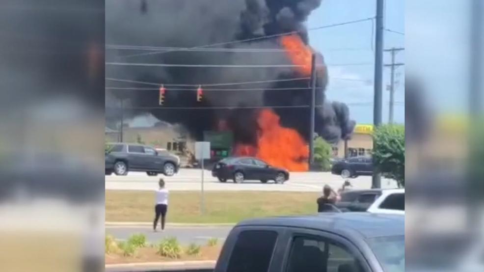 Walmart Gas Station Near Me >> Two Vehicles Pumps Burn At Walmart Gas Station In Jacksonville Wcti