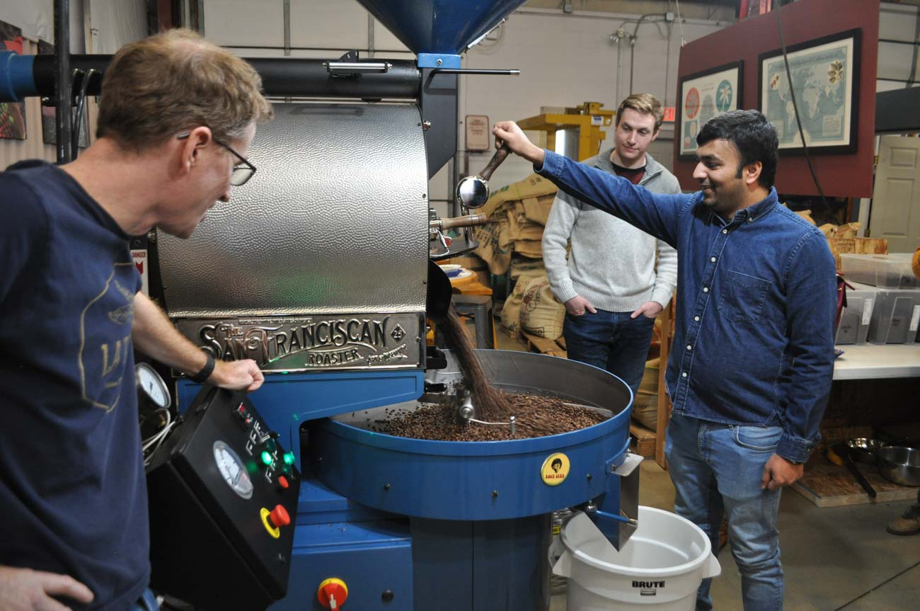 During La Terza's coffee tours, participants get to help roast their very own batch of beans. / Image: Liz Engel // Published: 7.27.20