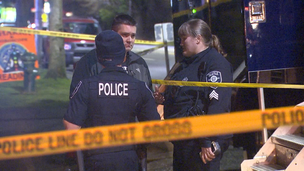 Police surround a home in Seattle's Lake City neighborhood where officers are investigating a homicide after a fire on Monday, Jan. 15, 2018. (Photo: KOMO News)