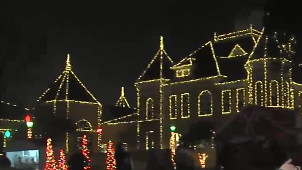 over 12000 lights decorate the saline county courthouse on dec 3 for christmas on the square katv photo