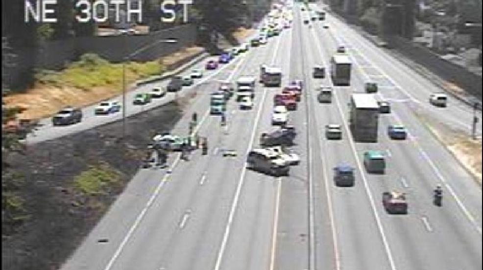Northbound I-405 reopens after 5-vehicle crash near Renton