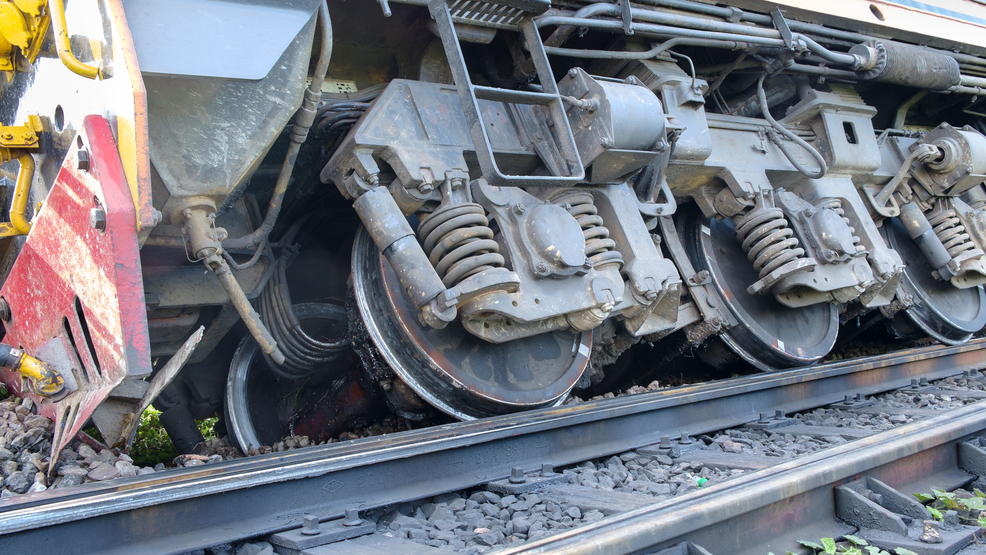 Locomotives, several train cars derail in southern Idaho