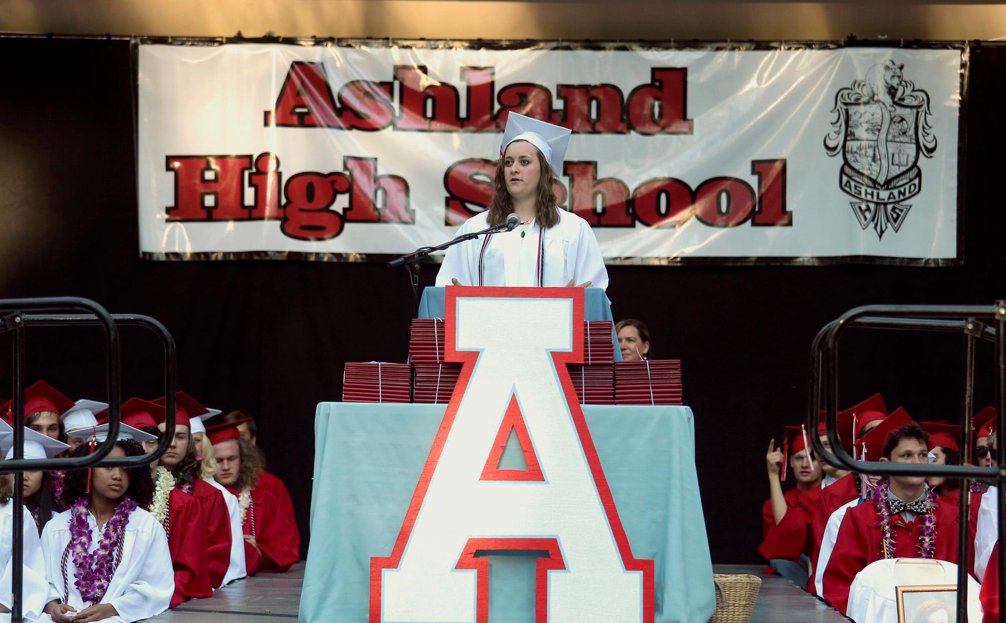 Student Speaker Madeline Shumway during the Ashland High Class of 2018 Commencement Ceremony at Lithia Park.   [ / PHOTO BY:  LARRY STAUTH JR]