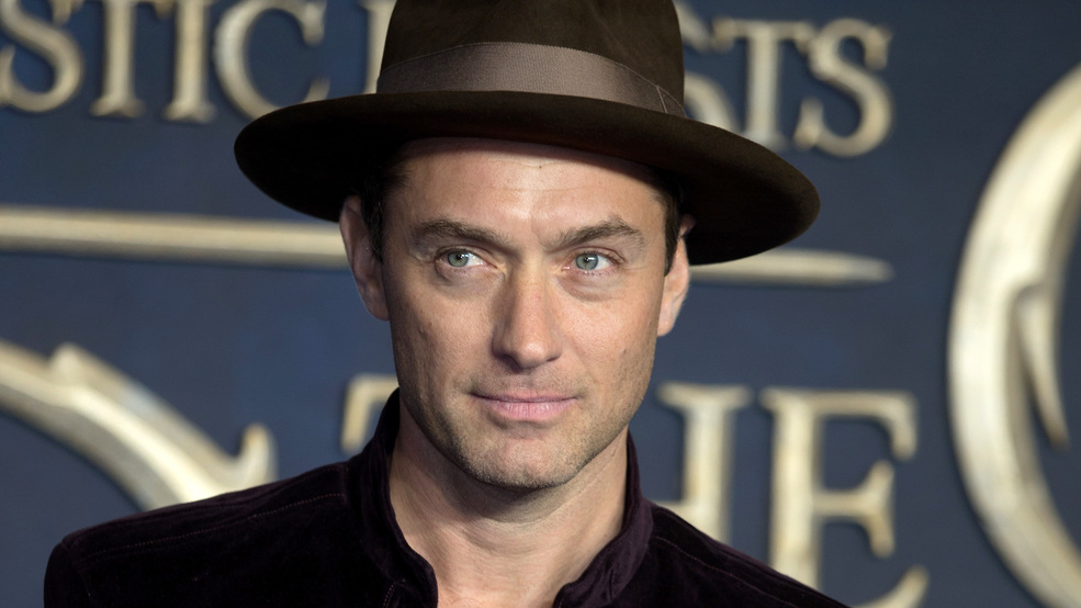 J.K. Rowling approves of Jude Law as young Dumbledore