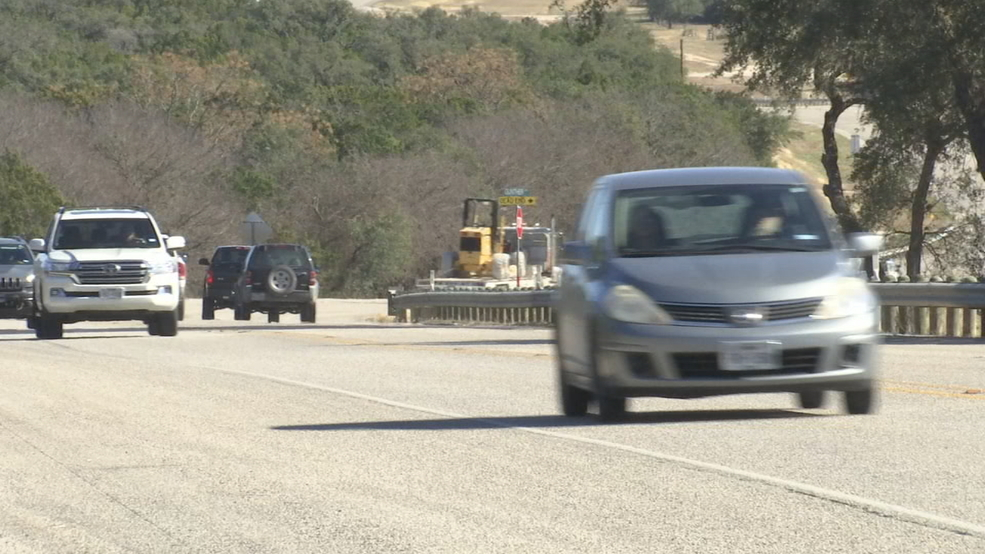 Stretch of Hill Country highway averages 100 crashes per