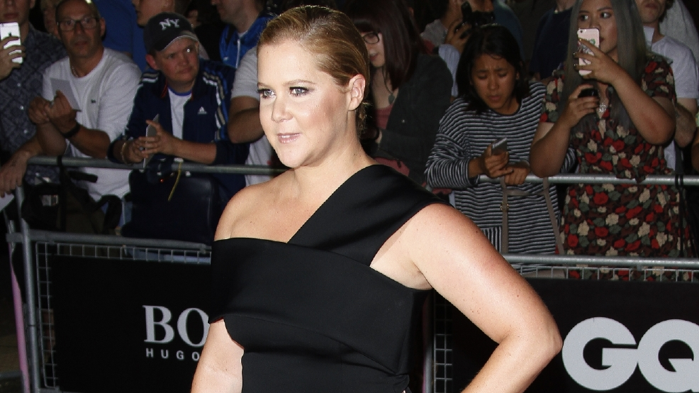 200 Walk out of Amy Schumer's show over Donald Trump jokes