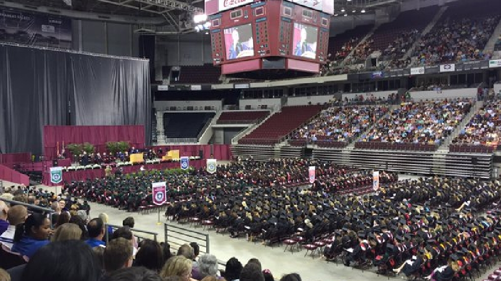 Uams Graduates More Than 1 000 New Health Care