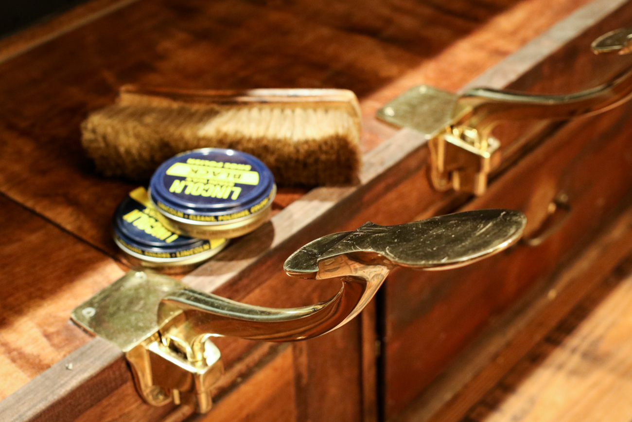 Cobblestone OTR's solid brass shoe shine stirrups. / Image: Ronny Salerno // Published: 1.2.19
