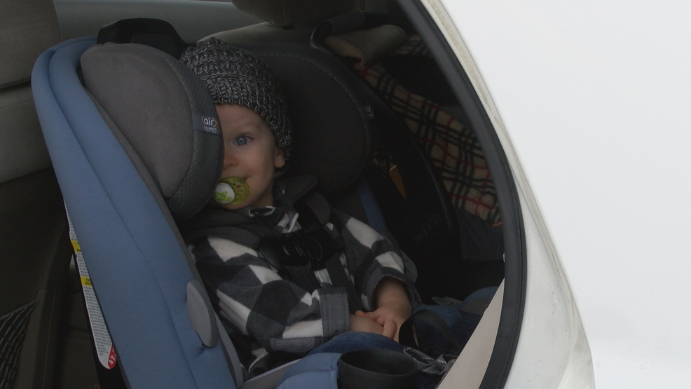 Health Officials Recommends Light Layers To Keep Your Baby Warm In The Car