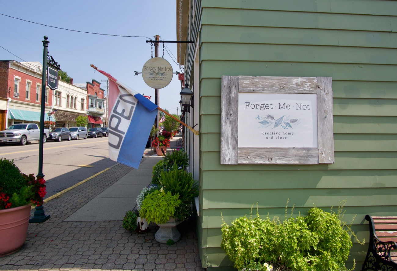 Founded in 1796, Waynesville, Ohio sits 40 miles north of Downtown Cincinnati near Caesar Creek State Park. With a population just shy of 3,000, it maintains the feel of small town Americana. But on nice days you'll find the town's main thoroughfare crowded with folks from Cincinnati, Columbus, and Dayton shopping at Waynesville's numerous antique stores. These aren't just quaint attractions either. Nor are they cheap, kitschy boutiques. These stores have some of the most captivating vintage and English country decor around. / Image: Brian Planalp // Published: 8.23.18