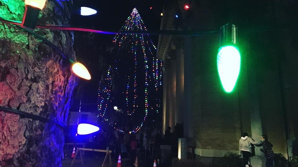 tree lighting draws big crowd in hendersonville to mark start of christmas shopping season