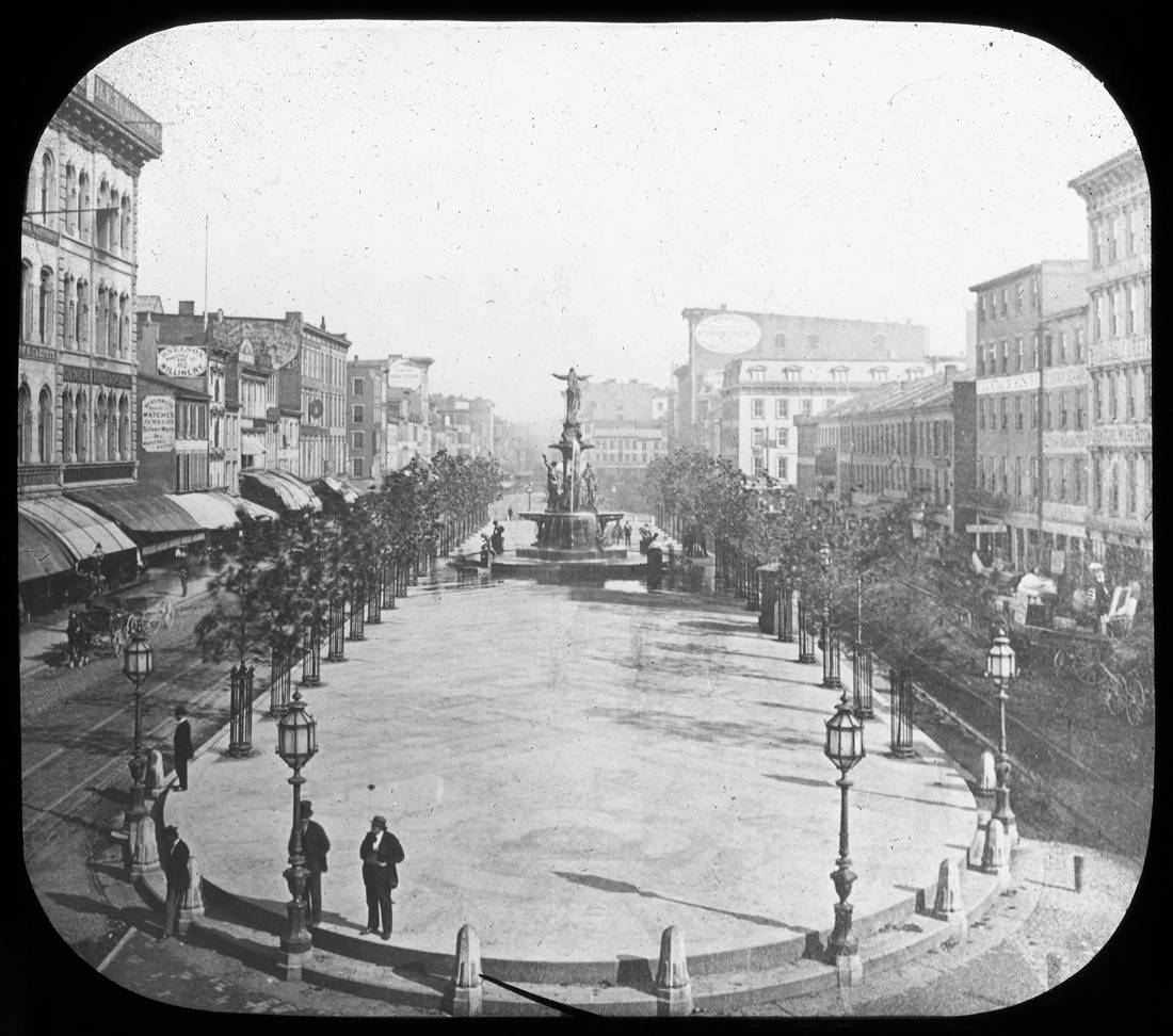 Looking east down 5th Street / DATE: 1875 / COLLECTION: Public Library of Cincinnati and Hamilton County, Joseph S. Stern, Jr. Cincinnati Room / Image courtesy of the digital archive of The Public Library of Cincinnati and Hamilton County // Published: 4.4.18