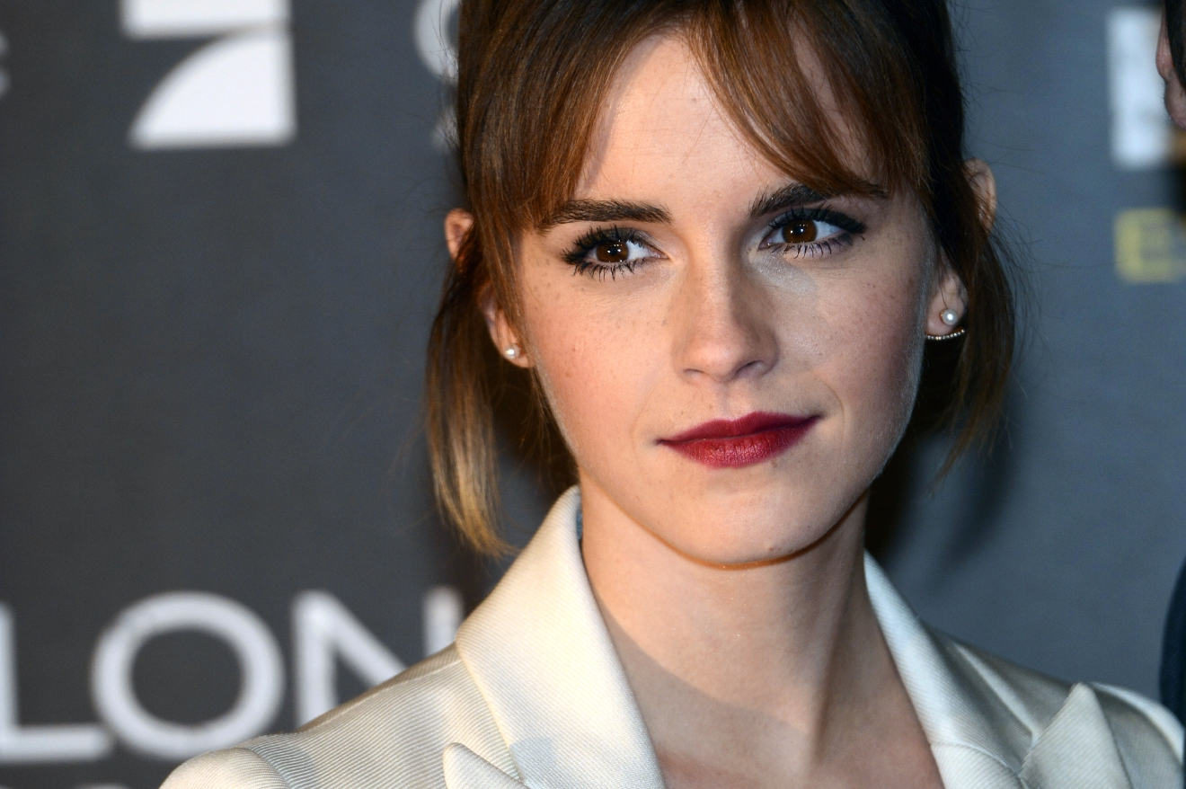 Emma Watson demands porn website remove leaked images