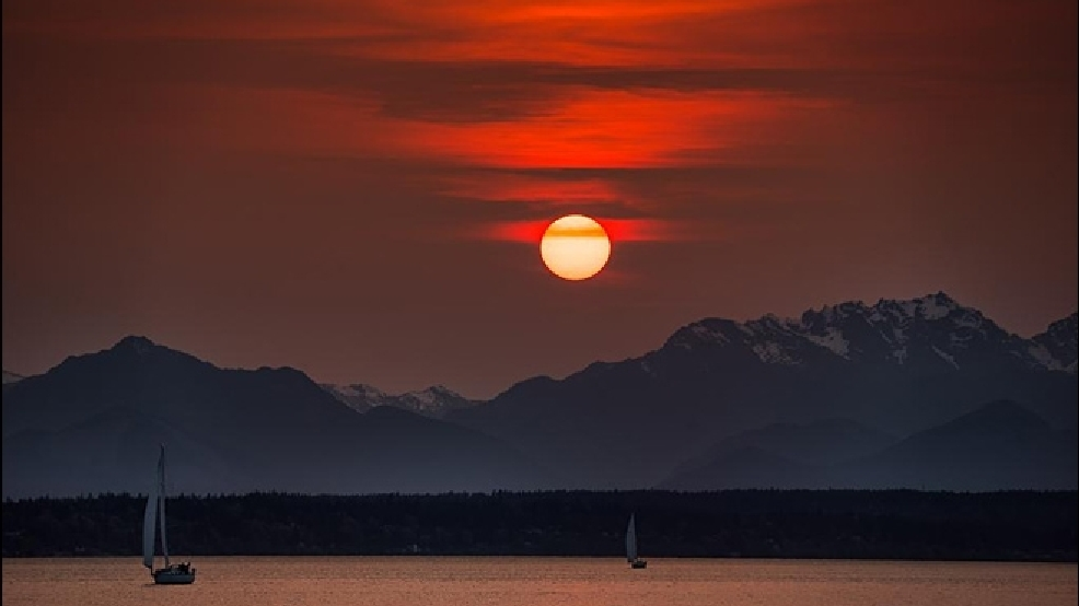 Smoke from Siberian wildfires turns Northwestern sunsets a ...