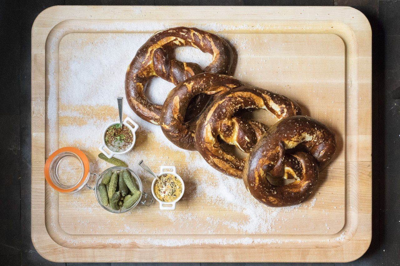 Enjoy nibbles such as a hot pretzel with British mustard and jalapeno cheese, a stromboli with sopressata picante, scamorza and provolone or san Marzano, basil and tomato, and two varieties of s'mores. (Image: Courtesy Watergate Hotel)<p></p>