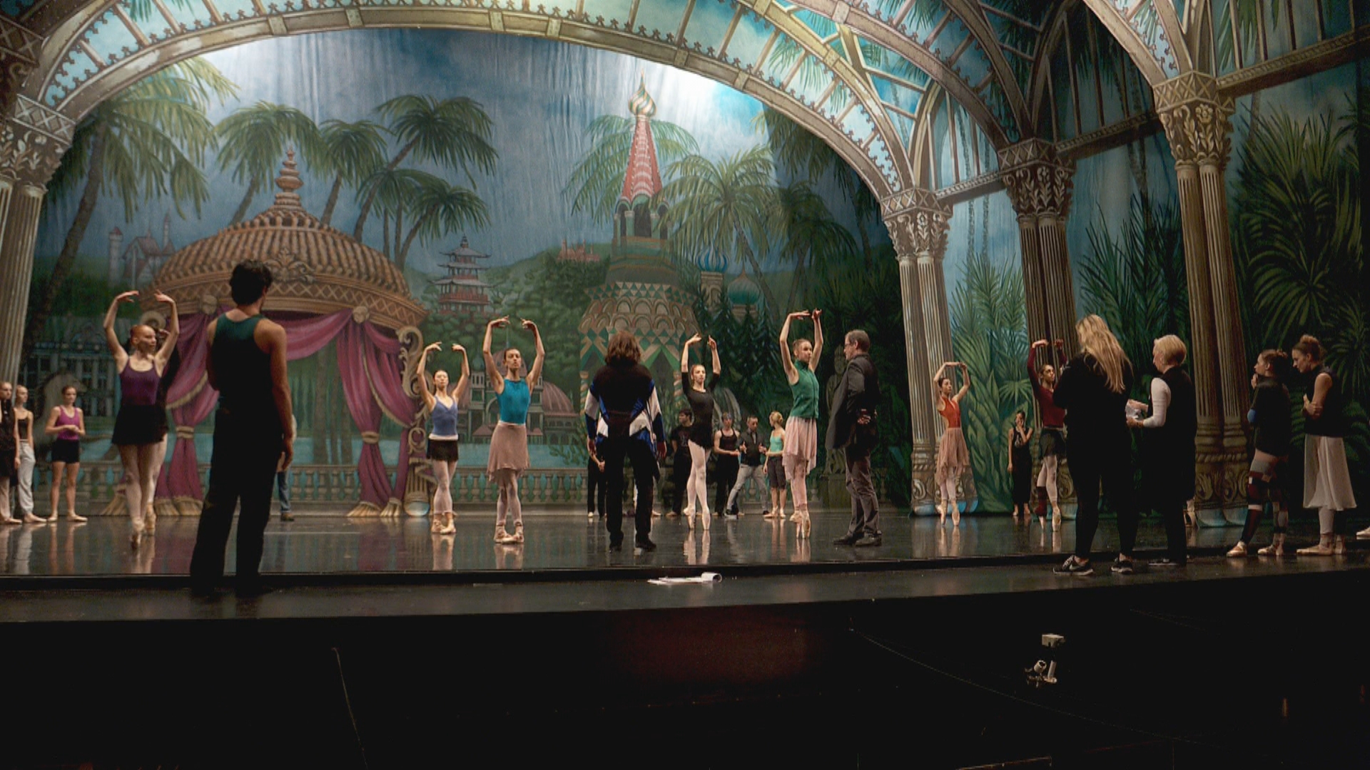 Inside the Story: Classic 'Nutcracker' ballet gets a makeover (Photo: KUTV)