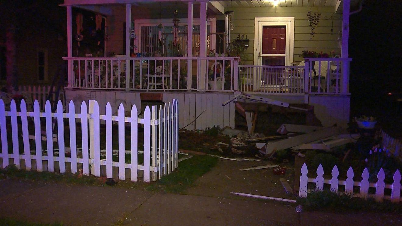 House of speed green bay - High Speed Chase Ends In Crash Car Hits Home On Ashland Avenue