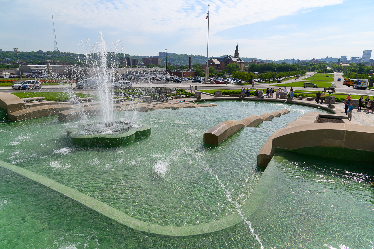 On Friday, May 17th, the Cincinnati Museum Center's fountain was turned on for the first time in three years after it was decommissioned for renovations. A ceremony preceded the event in which dozens of people lined up around the base of the fountain. At 10 AM, Cincinnati Museum Center's CEO Elizabeth Pierce gave a short speech before counting down with the eager observers. The fountain erupted with water after a few short seconds to a happy crowd. / Image: Phil Armstrong // Published: 5.17.19