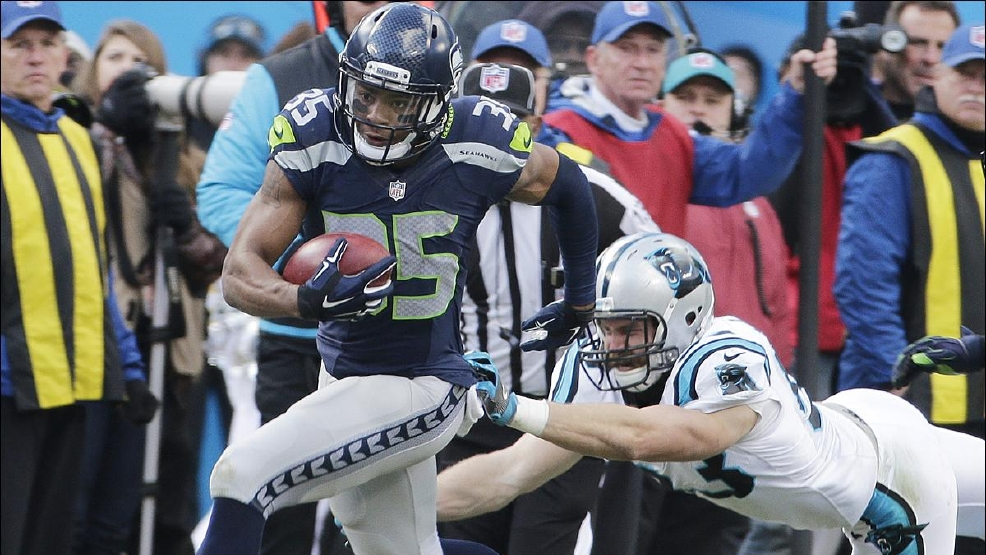 8806ef3c-d4ff-44ff-adb2-633500716aed-large16x9_seahawks_panthers_football__7