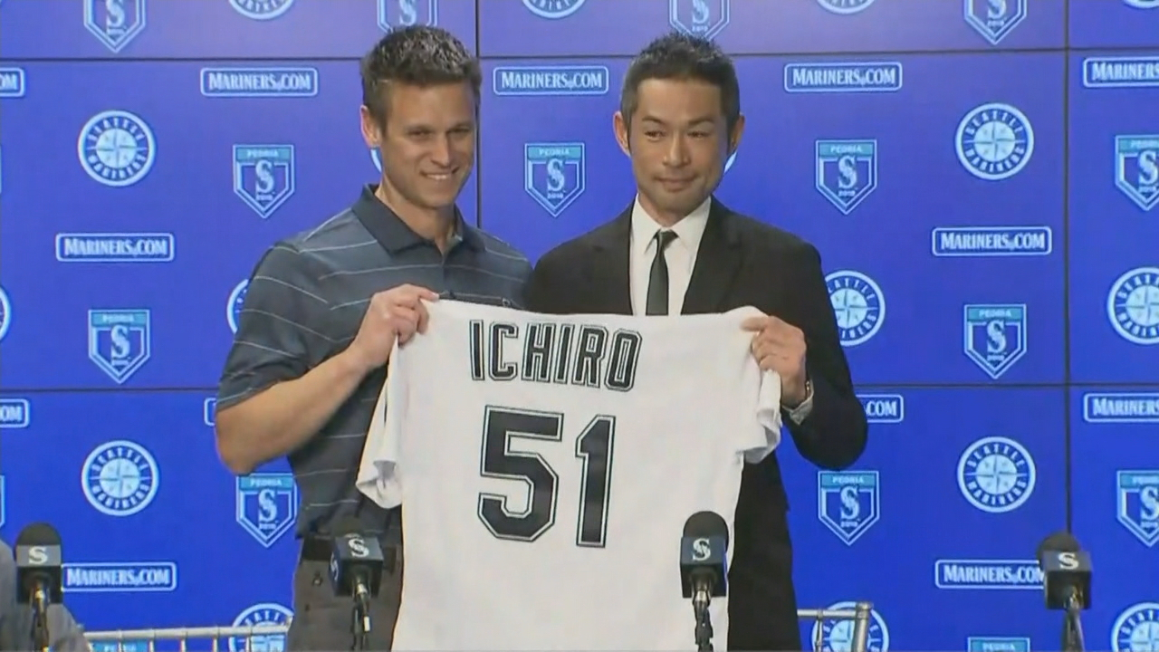 General manager Jerry Dipoto and Ichiro appear at a news conference on Wednesday, March 7, 2018, at which it was announced that he has signed with the Mariners. (Photo: Courtesy of the Seattle Mariners)