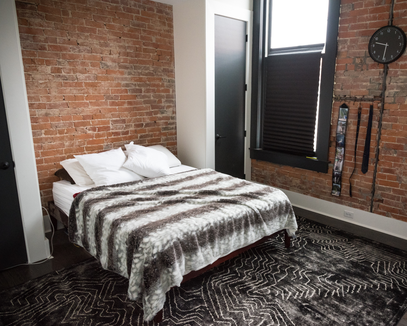 Complete with nine town homes, Boone Block (originally built in 1872) is one of Covington's newest living spaces. It's filled with exposed brick, tall ceilings, and plenty of old & new features. Unit 420 (pictured) was recently purchased. ADDRESS: 406-422 Scott Blvd Covington, KY 41011 / Image: Phil Armstrong, Cincinnati Refined / Published: 2.27.17