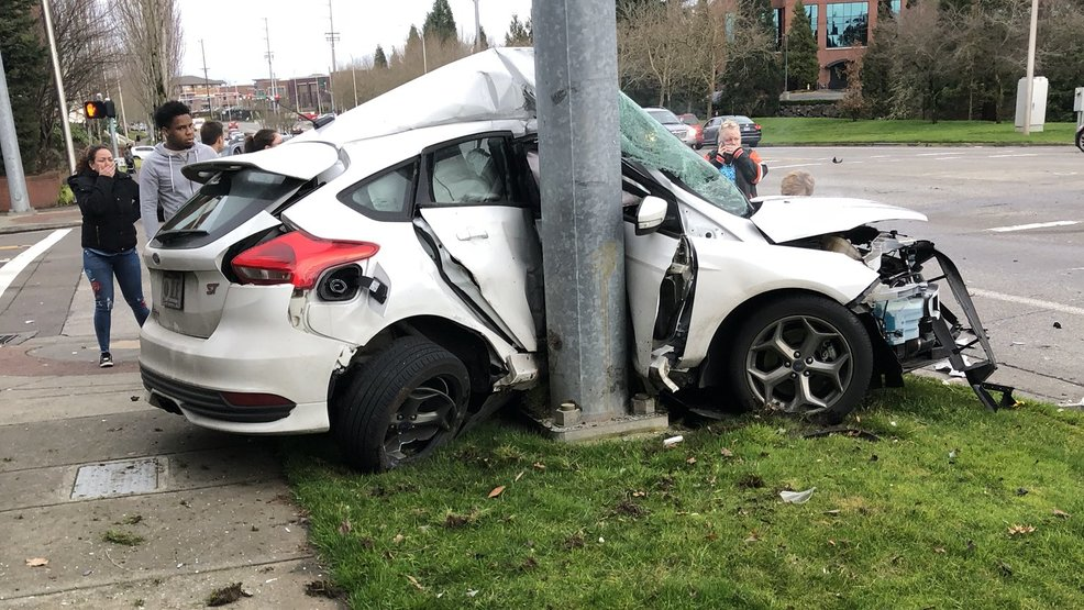 Police on scene of three-vehicle deadly crash in Hillsboro | KATU
