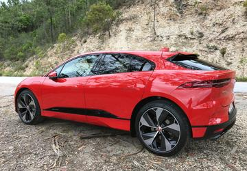 Software update for Jaguar I-Pace electric SUV adds real-world miles