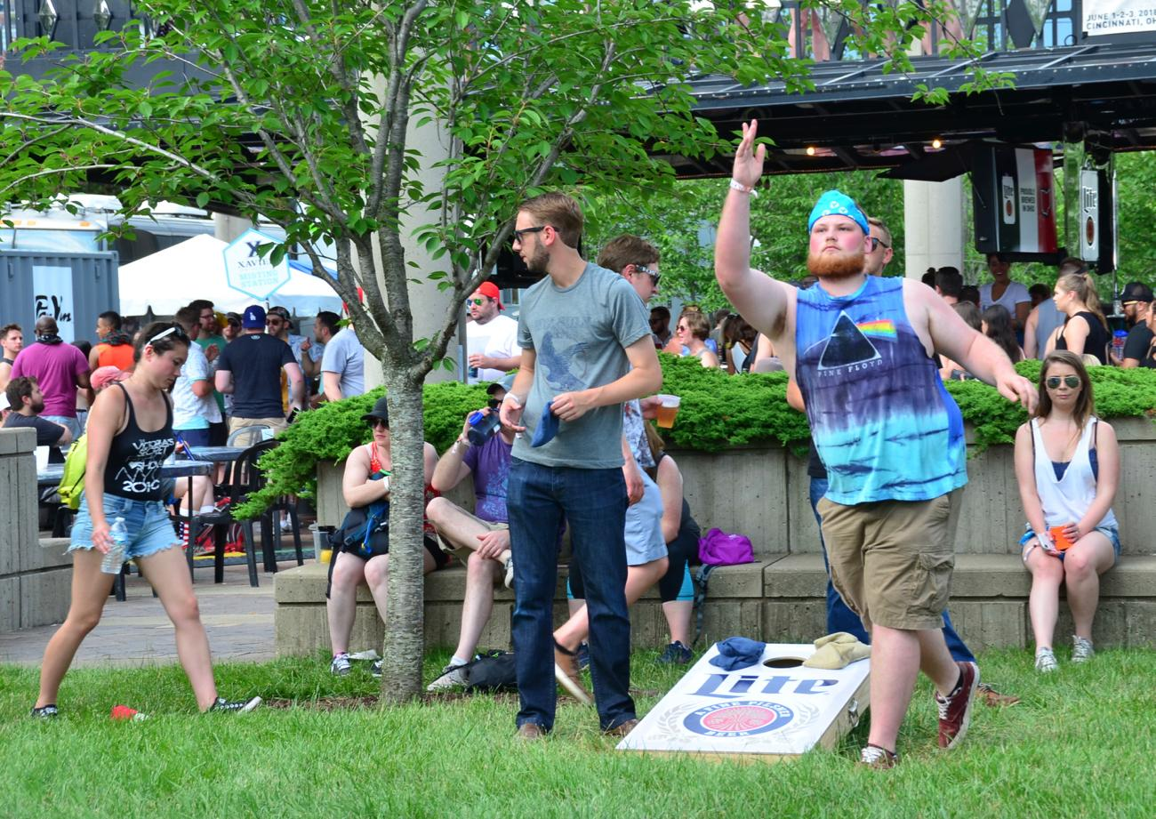 Enjoying some corn hole on the lawn / Image: Leah Zipperstein, Cincinnati Refined // Published: 6.3.18