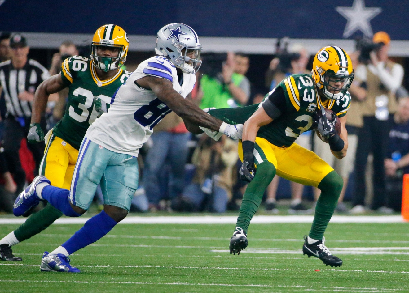 Rigopiano hotel avalanche first funerals as search goes on bbc news - Green Bay Packers Strong Safety Micah Hyde 33 Returns An Interception As Dallas Cowboys