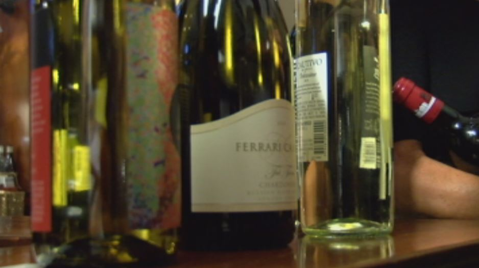 Wine pulls in funds for Quincy nursing home