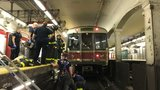 Commuter becomes trapped between Red Line train, platform