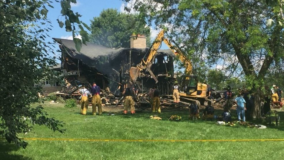 Fire kills one person destroys home in caledonia township for Single person house