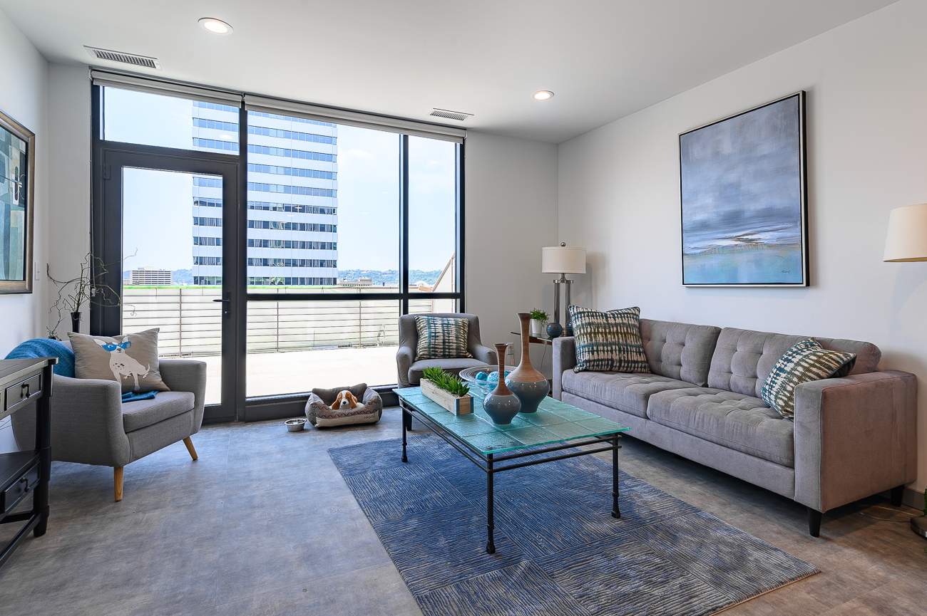 The 11th floor is particularly appealing thanks to its deep outdoor balconies. Eight of the 11th floor's apartments have private outdoor space. This one-bedroom unit faces west and features one of those eight balconies. / Image: Phil Armstrong // Published: 9.2.19