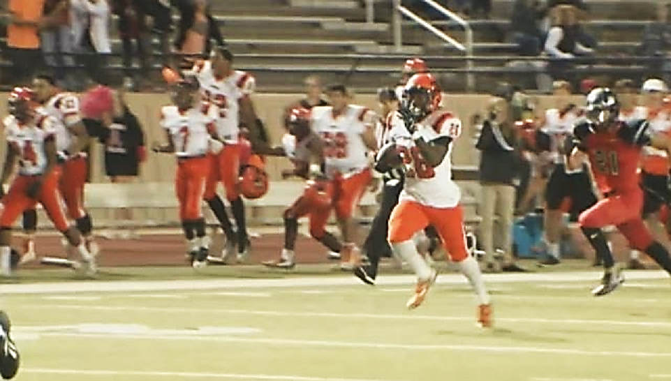 Trayvon Edmundson took the ball in for a score when Norman North played Westmoore in Moore on Friday, Oct. 14, 2016 (KOKH)
