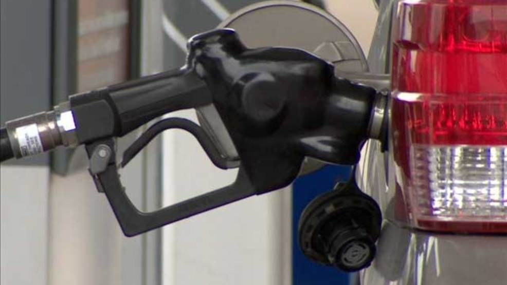 KOKH - Gas price #2 (FILE).jpg
