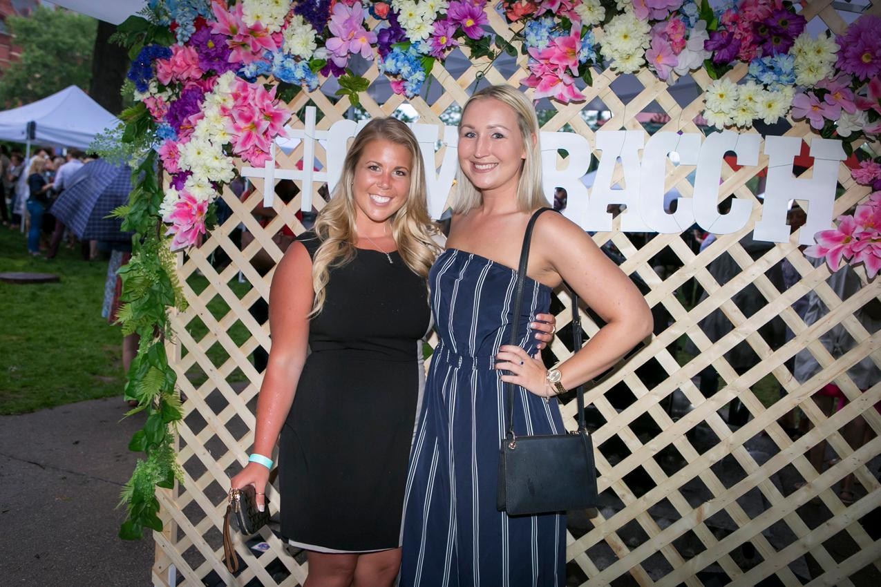 Paige Austin and Kalyn Hodel / Image: Mike Bresnen Photography{ }// Published: 5.18.18
