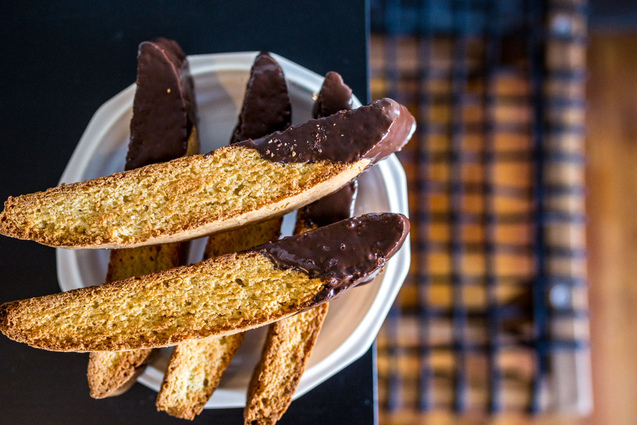 Chocolate dipped biscotti / Image: Catherine Viox{&nbsp;}// Published: 8.1.19<p></p>