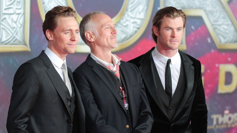 'Thor' stars Chris Hemsworth and Tom Hiddleston delight fans at children's hospital