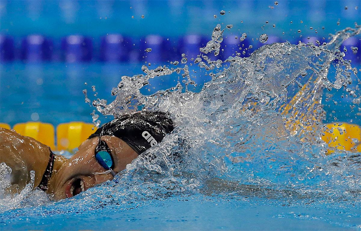 United States' Jessica Long competes in the women's 400-meter freestyle S8 final swimming event at the Paralympic Games in Rio de Janeiro, Brazil, Thursday, Sept. 8, 2016. (AP Photo/Leo Correa)